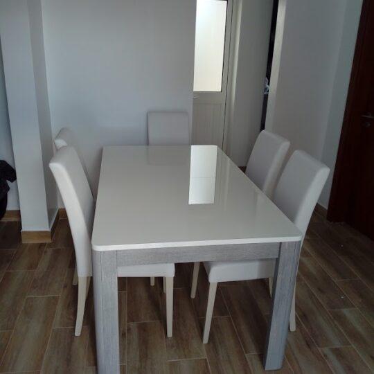 Mesa-e-cadeiras-de-jantar-2-540x540.jpg